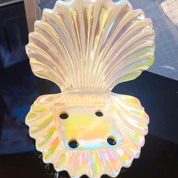 Bath and Body Works Iridescent Sea Shell Candle/Soap Holder
